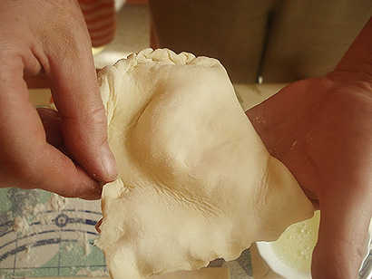 Folding Khachapuri