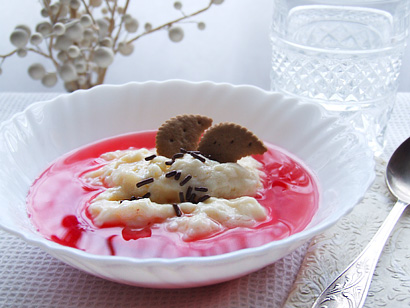 Custard with Cranberry Kisel