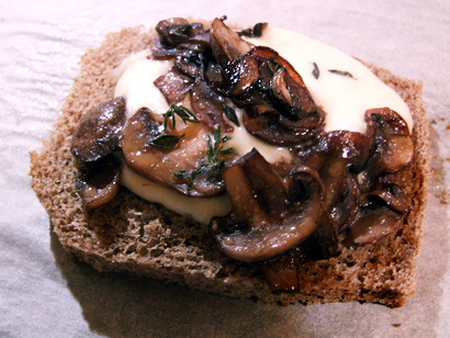 Mushroom&Mozzarella toasts