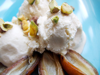 Machine-free Honey Ice-cream with Dates and Pistachios