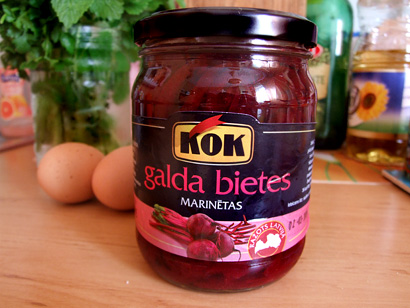 Canned beetroots
