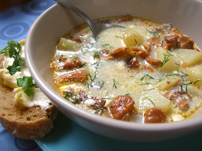 Chanterelle Soup with Sour Cream
