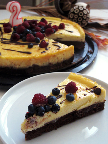 Brownie Bottom Cheesecake with Fresh Berries